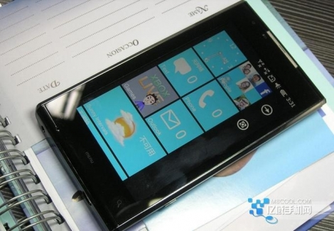 Китайский телефон с Windows Phone 7